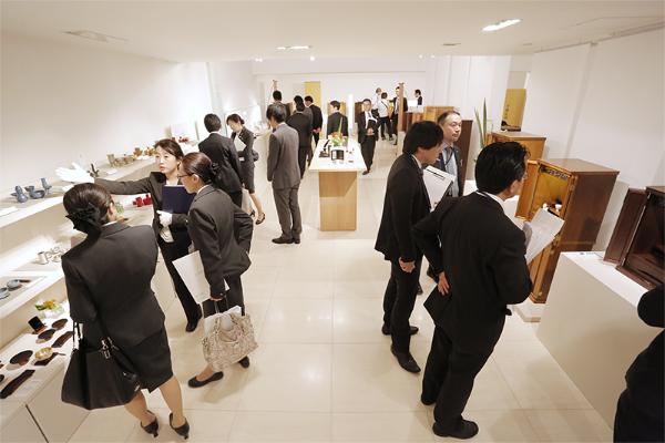 当社ショールームでの新商品発表会